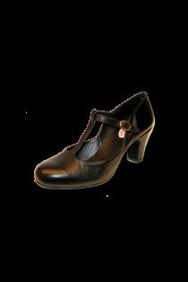 Zapato de Salón con Pala y talón cerrado con tira en medio.